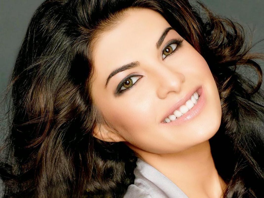 jacqueline-fernandez-smiling-wallpapers-8700 | customer care numbers