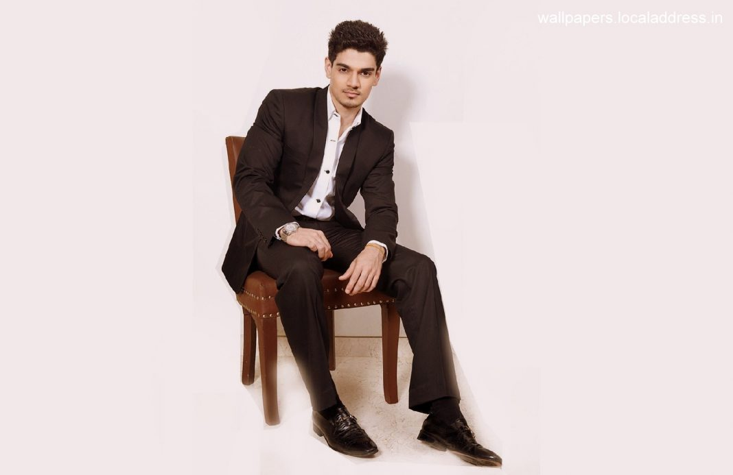 30_08_2015_16_04_57sooraj-pancholi-wallpapers