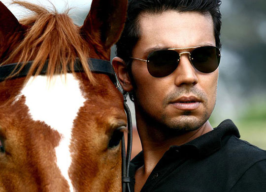 randeep-hooda-contacts