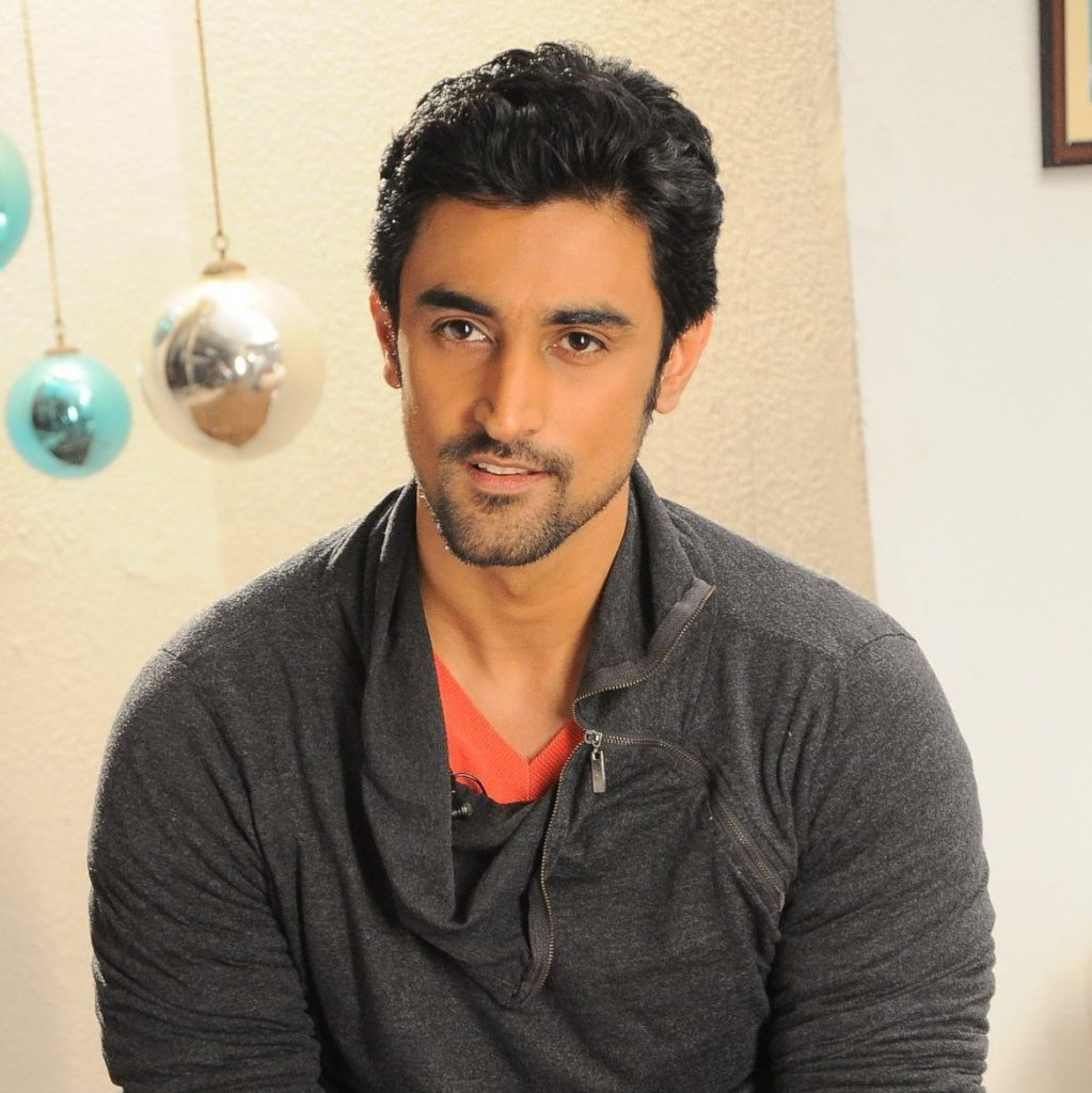 kunal-kapoor-contacts